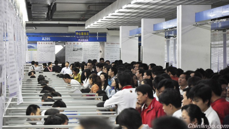 Hudson Income remains biggest concern for job hopping in China.jpg